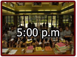 Horario en el campamento militar 5:00 p.m