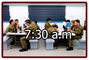 Horario en el campamento militar 7:30 a.m