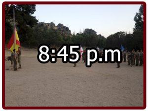 Horario en el campamento militar 8:45 p.m